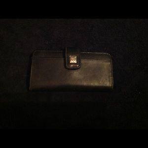Black wallet like new